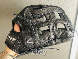 Black Outfield Baseball/softball Glove Size 12.75 Showoff Baseball Professional