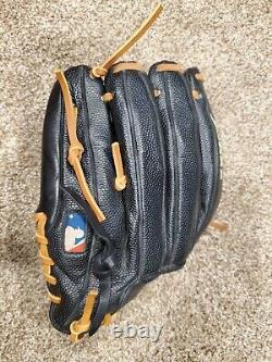 Wilson A2000 DW5 Pro Issue 12