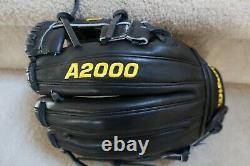 Wilson Black A2000 11.5 NWOT RHT Pro Stock Model DP15